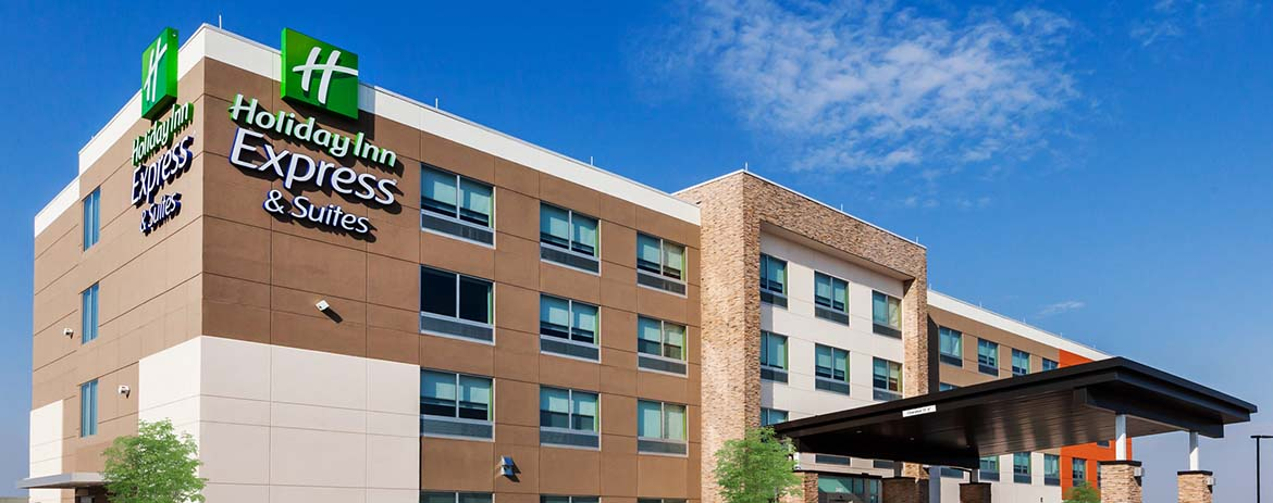 Visit Love's Holiday Inn Express & Suites in Chanute, Kansas