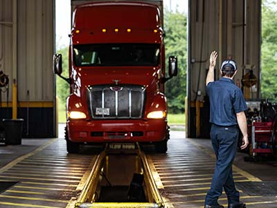 Get commercial truck oil changes at Speedco