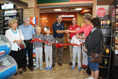 love's in knightstown donates to kids baseball team