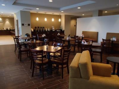 Sleep Inn Florida breakfast tables