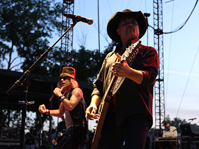 Big and Rich plays Camp Nash