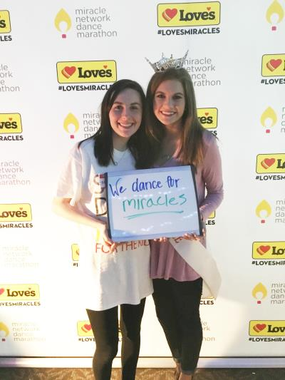 queen love's photo booth hogs for hope