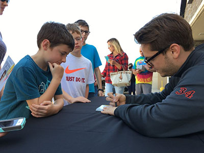 landon cassill signs autographs at loves