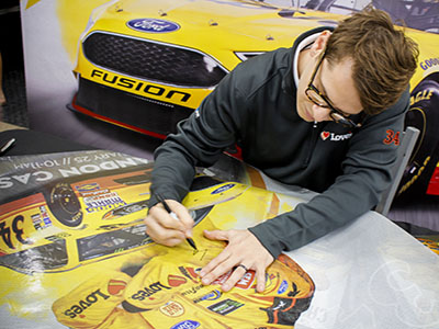 landon cassill signing autographs at Love's