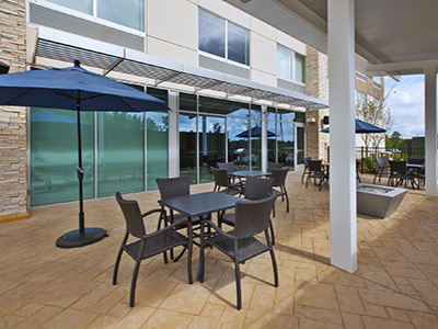 holiday inn express patio