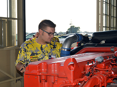loves mechanic competing in TXTA
