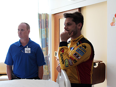 landon cassill visits Lurie Children's in Chicago
