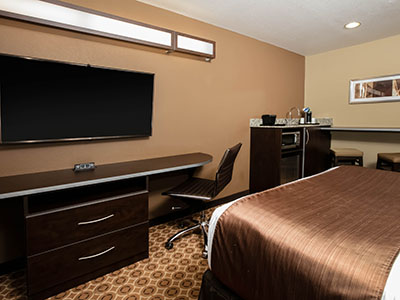 Pecos hotel room with television