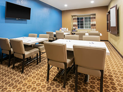 Pecos hotel offers meeting room