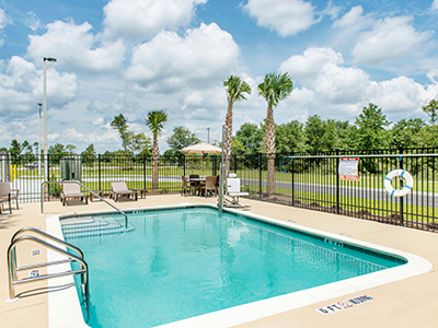 Love's Hospitality Summer Hotels - Defuniak Springs, Florida